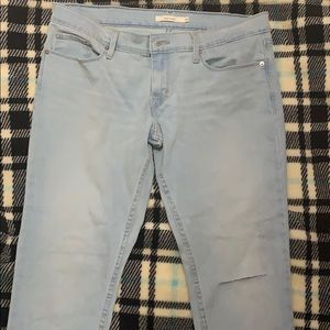 Light blue Levi's Jeans